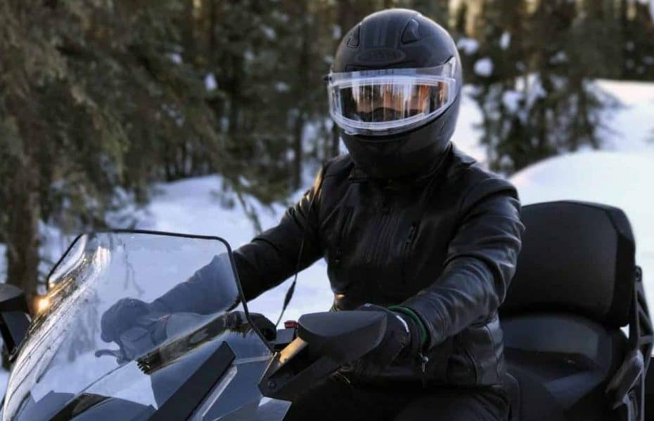 How To Keep Snowmobile Helmet Visor From Fogging