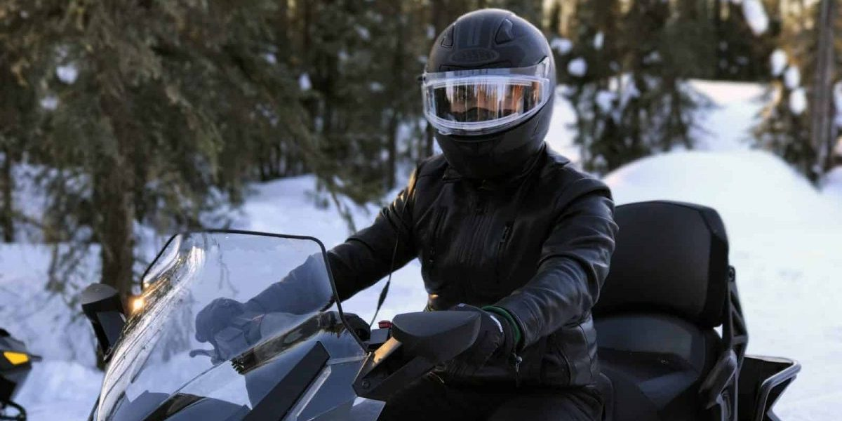 How To Keep Snowmobile Helmet Visor From Fogging